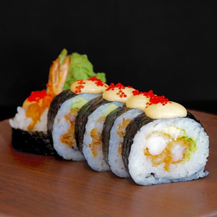 12. Spicy tempura maki (6 biter )